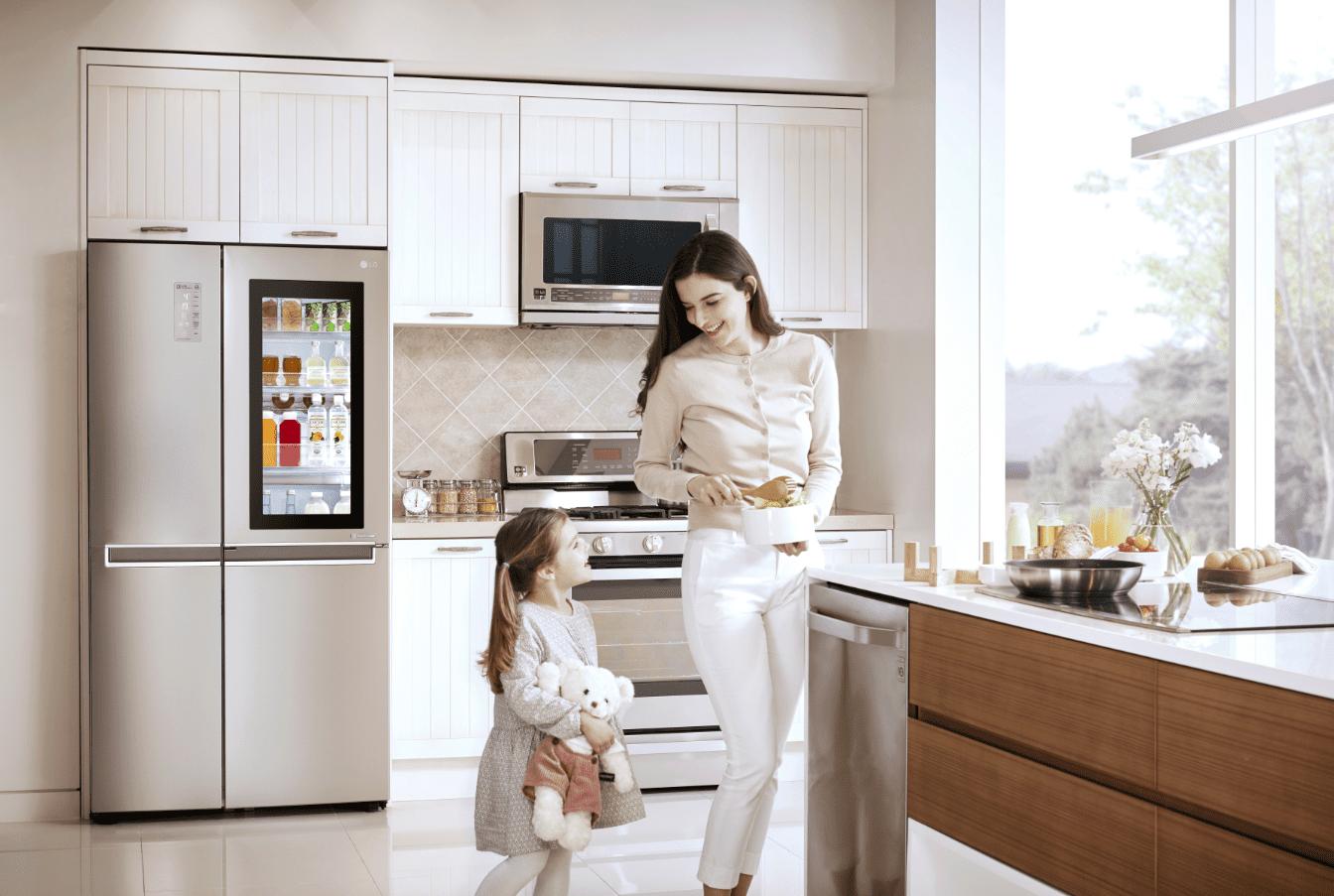 стильный четырехкамерный холодильник