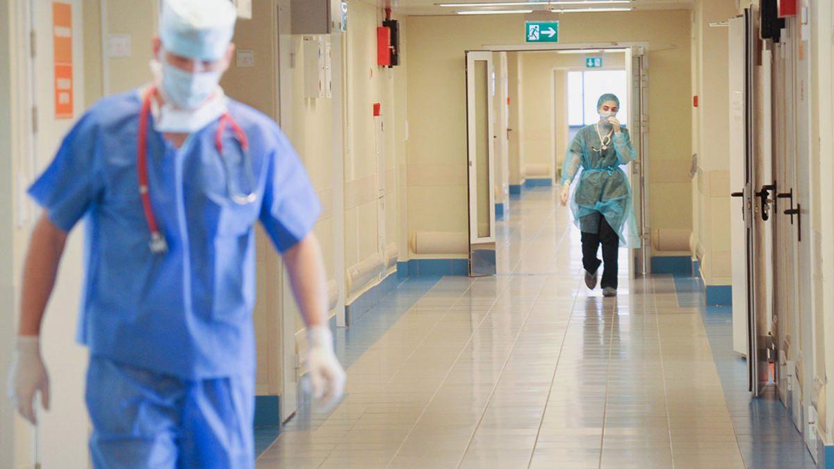 в івано-франківську масово хворіють медики